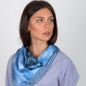 Σουφλιώτικο Μεταξωτό γυναικείο χειροποίητο μαντίλι – Γαλάζιο και μαύρο – Αρχαίο Ελληνικό μοτίβο 70 Χ 70 εκ.