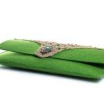Χειροποίητη τσάντα φάκελος από πράσινη τσόχα με σχέδιο το χέρι της Φατμέ